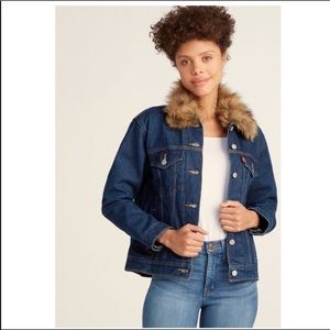 Levi's Faux Fur Collar Ex Boyfriend Trucker Jacket
